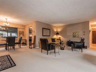 """Photo 3: 105 15041 PROSPECT Avenue: White Rock Condo for sale in """"SEA VISTA"""" (South Surrey White Rock)  : MLS®# F1318514"""
