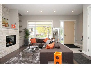 Photo 4: 724 24 Avenue NW in CALGARY: Mount Pleasant Residential Attached for sale (Calgary)  : MLS®# C3583600