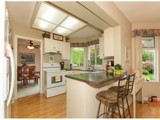 Photo 6: 1592 131ST ST in SURREY: Crescent Bch Ocean Pk. Condo for sale (South Surrey White Rock)  : MLS®# F1321820