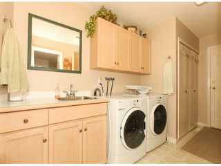 Photo 12: 1592 131ST ST in SURREY: Crescent Bch Ocean Pk. Condo for sale (South Surrey White Rock)  : MLS®# F1321820