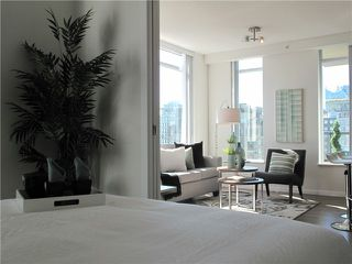 "Photo 5: 1807 1001 HOMER Street in Vancouver: Yaletown Condo for sale in ""The Bentley"" (Vancouver West)  : MLS®# V1076353"