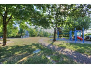 Photo 15: # 302 1516 E 1ST AV in Vancouver: Grandview VE Condo for sale (Vancouver East)  : MLS®# V1080550