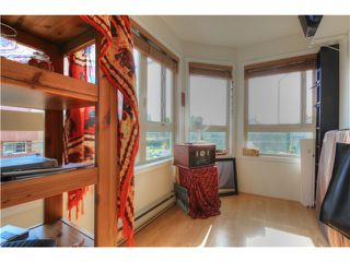 Photo 10: # 302 1516 E 1ST AV in Vancouver: Grandview VE Condo for sale (Vancouver East)  : MLS®# V1080550