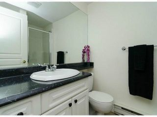 "Photo 14: 306 13955 LAUREL Drive in Surrey: Whalley Condo for sale in ""King George Manor"" (North Surrey)  : MLS®# F1422103"
