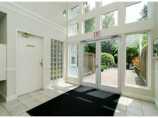 "Photo 2: 306 13955 LAUREL Drive in Surrey: Whalley Condo for sale in ""King George Manor"" (North Surrey)  : MLS®# F1422103"