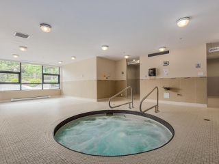 Photo 4: 203 288 UNGLESS WAY in Port Moody: Port Moody Centre Condo for sale : MLS®# R2071333
