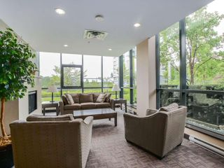 Photo 2: 203 288 UNGLESS WAY in Port Moody: Port Moody Centre Condo for sale : MLS®# R2071333