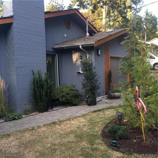 Photo 2: 1070 Marchant Road in BRENTWOOD BAY: CS Brentwood Bay Single Family Detached for sale (Central Saanich)  : MLS®# 415332
