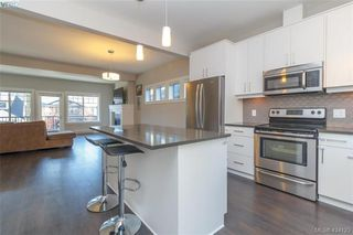 Photo 11: 1045 Gala Court in VICTORIA: La Happy Valley Single Family Detached for sale (Langford)  : MLS®# 424123