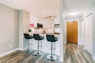 """Photo 2: 407 675 PARK Crescent in New Westminster: GlenBrooke North Condo for sale in """"Winchester"""" : MLS®# R2467939"""