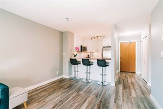 """Photo 7: 407 675 PARK Crescent in New Westminster: GlenBrooke North Condo for sale in """"Winchester"""" : MLS®# R2467939"""