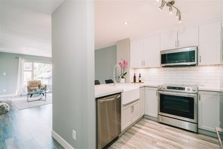 """Photo 3: 407 675 PARK Crescent in New Westminster: GlenBrooke North Condo for sale in """"Winchester"""" : MLS®# R2467939"""