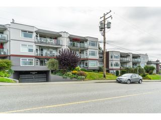 "Photo 2: 404 1220 FIR Street: White Rock Condo for sale in ""Vista Pacifica"" (South Surrey White Rock)  : MLS®# R2493236"