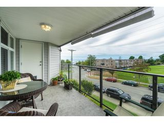 "Photo 29: 404 1220 FIR Street: White Rock Condo for sale in ""Vista Pacifica"" (South Surrey White Rock)  : MLS®# R2493236"