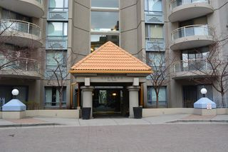 Main Photo: 707 804 3 Avenue SW in Calgary: Eau Claire Apartment for sale : MLS®# A1054614