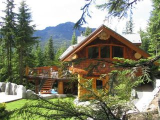 Main Photo: Whistler Craftsmanship at it's Finest