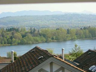 """Photo 8: 39 5221 OAKMOUNT CR in Burnaby: Oaklands Townhouse for sale in """"SEASONS BY THE LAKE"""" (Burnaby South)  : MLS®# V587259"""