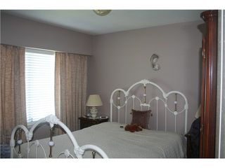 "Photo 7: 2590 E 25TH AV in Vancouver: Renfrew Heights House for sale in ""RENFREW HEIGHTS"" (Vancouver East)  : MLS®# V1000792"
