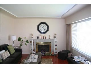 "Photo 2: 2590 E 25TH AV in Vancouver: Renfrew Heights House for sale in ""RENFREW HEIGHTS"" (Vancouver East)  : MLS®# V1000792"