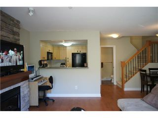 """Photo 3: 32 7428 SOUTHWYNDE Avenue in Burnaby: South Slope Townhouse for sale in """"LEDGESTONE 2"""" (Burnaby South)  : MLS®# V1000912"""