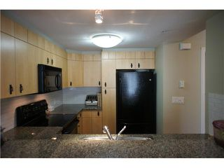 """Photo 6: 32 7428 SOUTHWYNDE Avenue in Burnaby: South Slope Townhouse for sale in """"LEDGESTONE 2"""" (Burnaby South)  : MLS®# V1000912"""