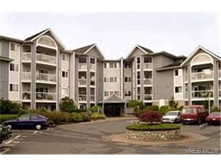 Photo 1:  in VICTORIA: SE Quadra Condo Apartment for sale (Saanich East)  : MLS®# 419186