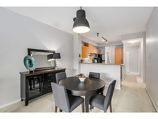 "Photo 5: 424 801 KLAHANIE Drive in Port Moody: Port Moody Centre Condo for sale in ""INGLENOOK AT KLAHANIE"" : MLS®# V1084112"