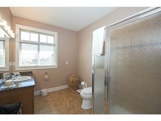Photo 11: 16356 59A AV in Surrey: Cloverdale BC House for sale (Cloverdale)  : MLS®# F1410039