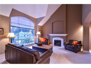 Photo 3: 2 LAUREL PL in Port Moody: Heritage Mountain House for sale : MLS®# V1104349