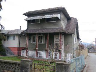 Photo 1: 1260 NOOTKA STREET in Vancouver: Renfrew VE House for sale (Vancouver East)  : MLS®# R2027888