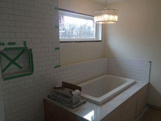 Photo 9: 270 Niagara Street in Winnipeg: River Heights / Tuxedo / Linden Woods Single Family Detached for sale (Central Winnipeg)  : MLS®# 1513104