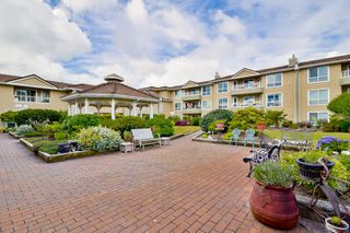 Photo 4: 316 15875 MARINE DRIVE: White Rock Condo for sale (South Surrey White Rock)  : MLS®# R2080349