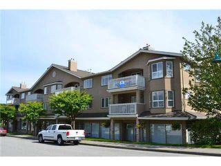 Photo 2: 207 5711 MERMAID STREET in Sechelt: Sechelt District Condo for sale (Sunshine Coast)  : MLS®# R2104837