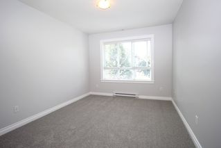 "Photo 7: 305 20750 DUNCAN Way in Langley: Langley City Condo for sale in ""Fairfield Lane"" : MLS®# R2401633"