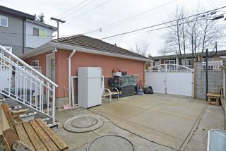 Photo 3: 1890 E 55TH Avenue in Vancouver: Fraserview VE House for sale (Vancouver East)  : MLS®# R2441737