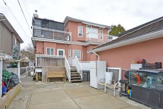 Photo 2: 1890 E 55TH Avenue in Vancouver: Fraserview VE House for sale (Vancouver East)  : MLS®# R2441737