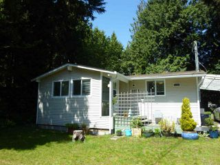 "Photo 1:  in Sechelt: Sechelt District House for sale in ""TSAWCOME"" (Sunshine Coast)  : MLS®# R2466558"