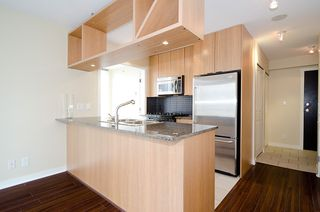 "Photo 10: 903 1001 RICHARDS Street in Vancouver: Downtown VW Condo for sale in ""MIRO"" (Vancouver West)  : MLS®# V947357"