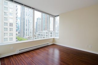 "Photo 3: 903 1001 RICHARDS Street in Vancouver: Downtown VW Condo for sale in ""MIRO"" (Vancouver West)  : MLS®# V947357"