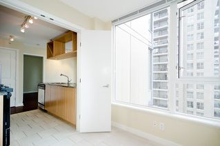 "Photo 14: 903 1001 RICHARDS Street in Vancouver: Downtown VW Condo for sale in ""MIRO"" (Vancouver West)  : MLS®# V947357"