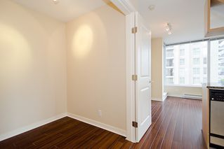 "Photo 19: 903 1001 RICHARDS Street in Vancouver: Downtown VW Condo for sale in ""MIRO"" (Vancouver West)  : MLS®# V947357"