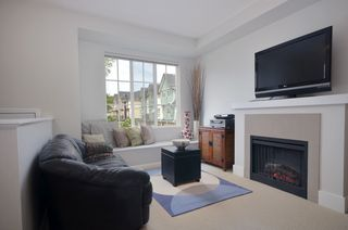 Photo 2: 20 7331 HEATHER Street in Richmond: McLennan North Townhouse for sale : MLS®# V957548
