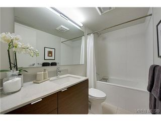 Photo 5: 402 601 Herald Street in VICTORIA: Vi Downtown Condo Apartment for sale (Victoria)  : MLS®# 322710