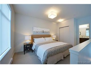 Photo 7: 402 601 Herald Street in VICTORIA: Vi Downtown Condo Apartment for sale (Victoria)  : MLS®# 322710