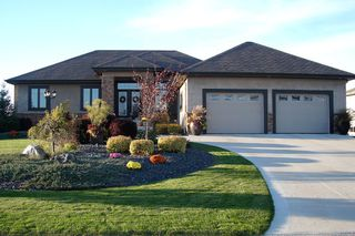Photo 2: 33 Aspen Drive East in Oakbank: Single Family Detached for sale : MLS®# 1415275