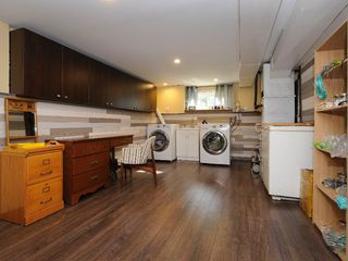 Photo 15: 919 Leslie Drive in VICTORIA: SE Quadra Single Family Detached for sale (Saanich East)  : MLS®# 340422