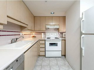 "Photo 9: 3002 183 KEEFER Place in Vancouver: Downtown VW Condo for sale in ""Paris Place"" (Vancouver West)  : MLS®# V1079874"