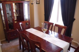 Photo 2: 942 Aldgate Road in Winnipeg: River Park South Single Family Detached for sale (South Winnipeg)  : MLS®# 1511696