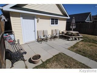 Photo 4: 664 Paddington Road in Winnipeg: South St Vital Single Family Detached for sale (South Winnipeg)  : MLS®# 1610755