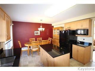 Photo 3: 664 Paddington Road in Winnipeg: South St Vital Single Family Detached for sale (South Winnipeg)  : MLS®# 1610755